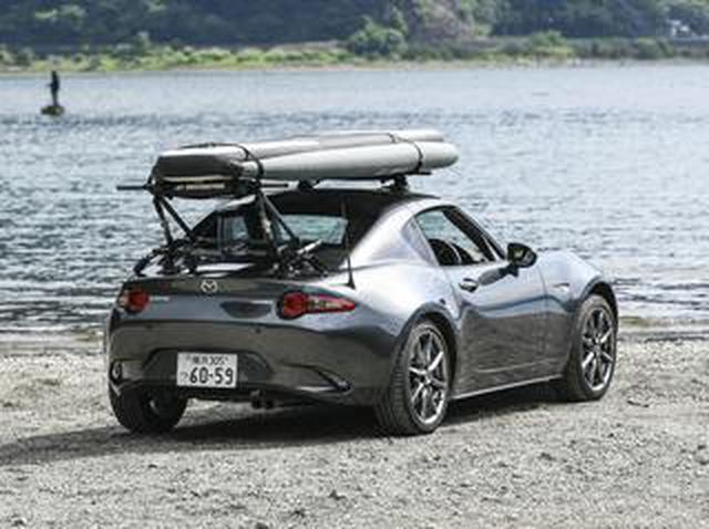 画像: 【吸盤式キャリア】で大変革。スポーツカーにもサーフィンやサップのボードは載せられる!【動画】