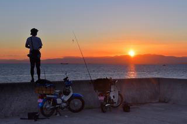 画像: マゴチの釣果を自慢されて悔しいから負けじとマゴチ釣りに行くのだ〈若林浩志のスーパー・カブカブ・ダイアリーズ Vol.90〉