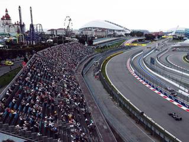 画像: 2021年F1ロシアGPが開幕、フェルスタッペンとハミルトンの戦いが緊迫【F1第15戦】