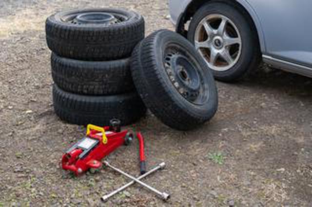 画像: 【くるま問答】タイヤはどんなところに保管すればいい?ローテーションと保管方法を解説