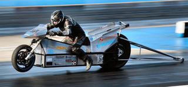 画像: 現在の電動ドラッグバイクの1/4マイル世界最速記録、あなたはご存知でしょうか?