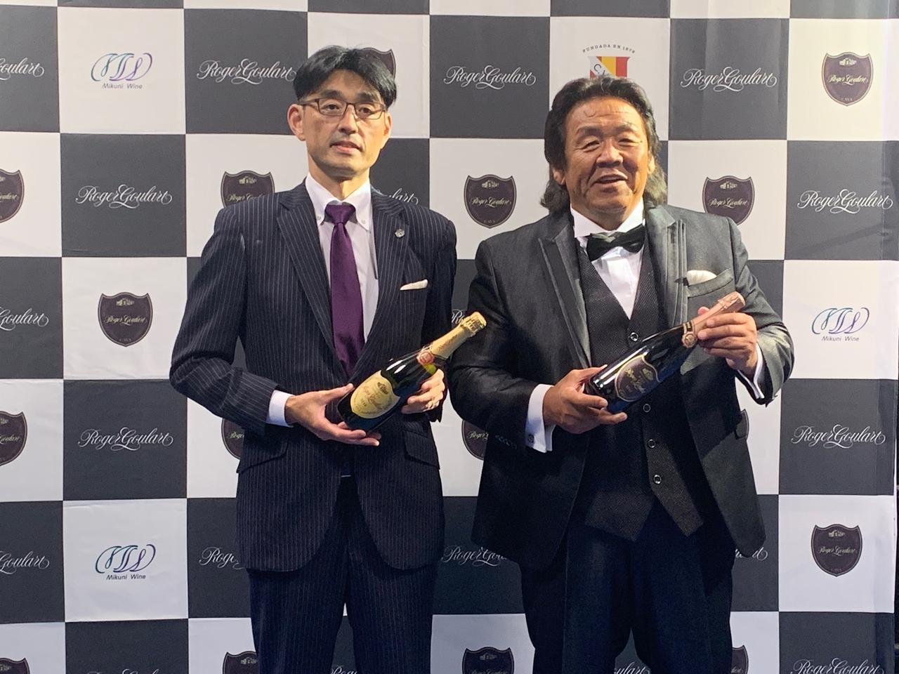 画像: 三国ワイン株式会社 代表取締役社長の須佐敏郎氏(左)と長州力氏