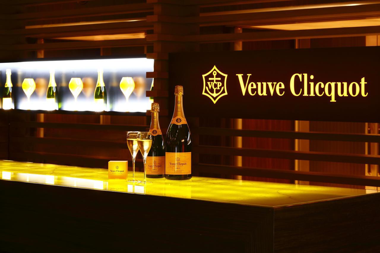 画像: シャンパーニュメゾン「ヴーヴ・クリコ」と、京都ブライトンホテルのラウンジ・バー「クー・オ・ミディ」が一夜限りのコラボレーション!