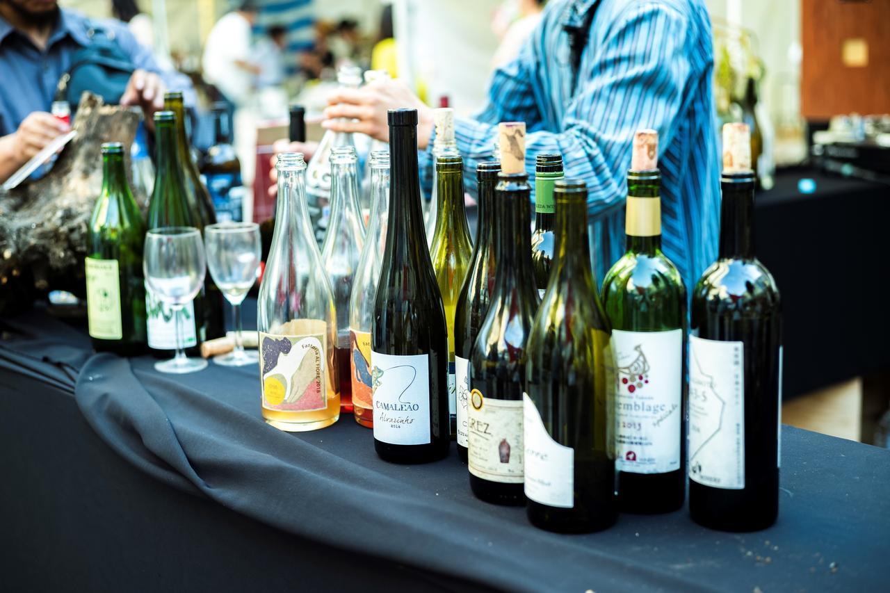 画像: 約180種の国内外のワイン、その造り手が集まる