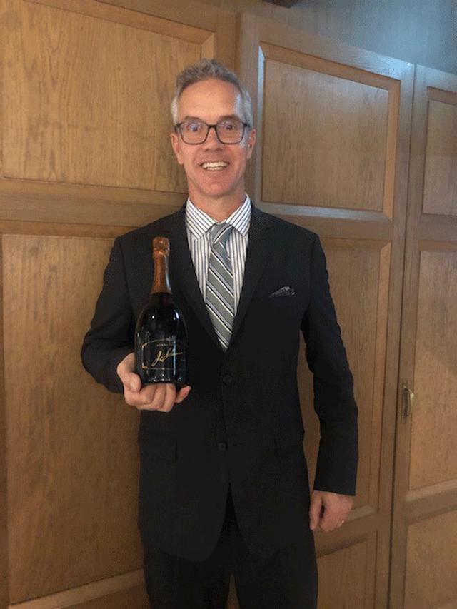 画像1: カリフォルニア、スパークリングワインのパイオニア「シュラムス・バーグ」のベースワインを試飲する