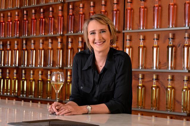 画像: 最高醸造責任者に就任したジュリー・カヴィルさん
