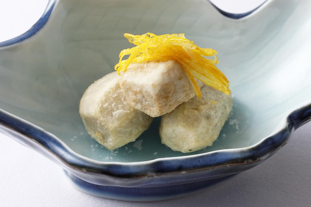画像: 海老芋唐揚げ 柚子添え