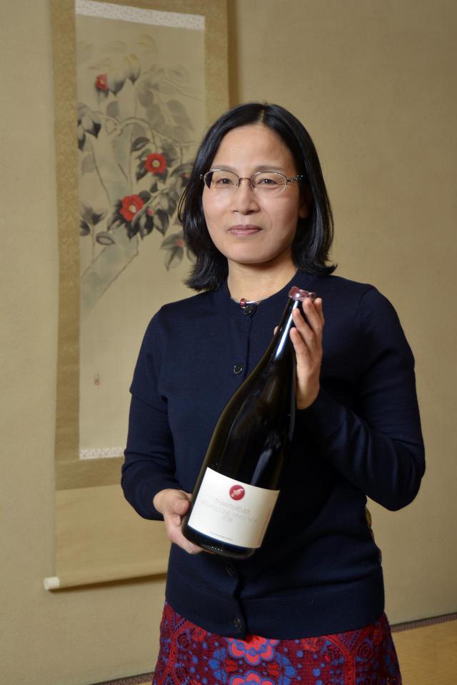 画像1: フランス・ブルゴーニュにある「シャントレーヴ」。日本人醸造家・栗山朋子さんと、パートナーのギヨーム・ボット氏のふたりが営むネゴシアン(ワイン商)だ。 ヤマハリゾートの「葛城  ホテル 北の丸」で、シャントレーヴのワインと、静岡の海の幸、山の幸をふんだんに使った料理をマリアージュする、一夜限りのワインサロンが開かれた。