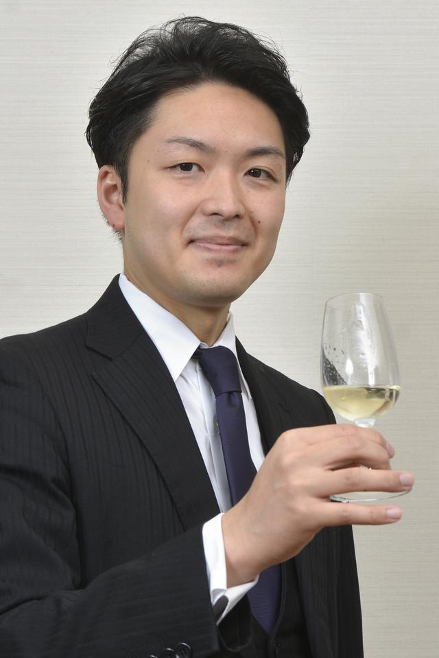 画像: 矢田部 匡且氏 「東京エディション虎ノ門」開業準備室ヘッドソムリエ。フレンチレストランでシェフソムリエを務めていたころから、休日は日本ワインの生産者を訪ねる日本ワイン愛好家
