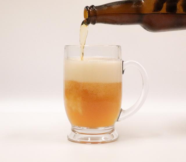 画像: 泉北レモンと堺産の二条大麦を使った地産地消ビール