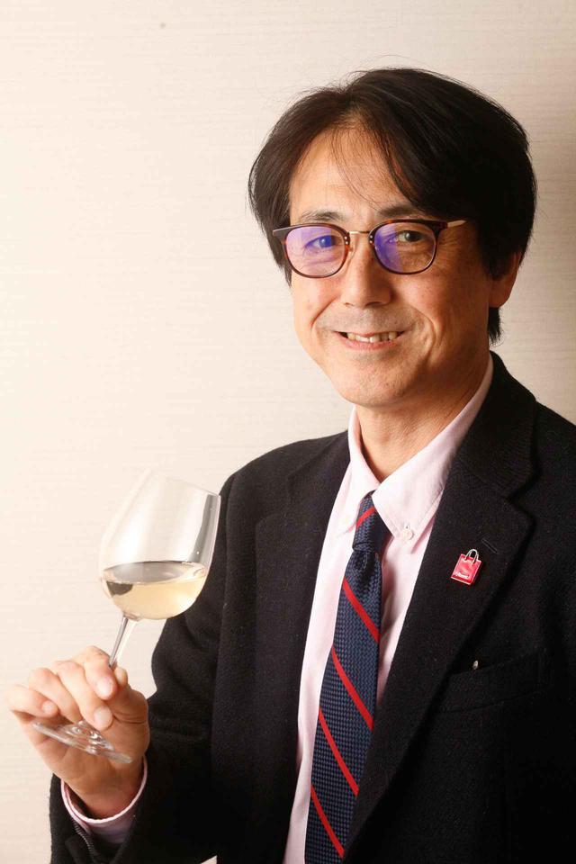 画像: 川邉久之氏 エノログ(ワイン醸造技術管理士)。1988年に渡米、ナパ・ヴァレーで日本人初の醸造責任者として活躍。帰国後、コンサルタント、審査員、醸造専門学校講師等を歴任。2009年「高畠ワイナリー」取締役製造部長。2019年「ŒNOLUTION」設立
