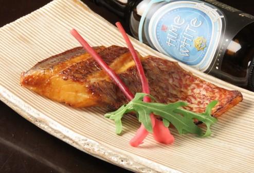 画像: 三重県産真鯛の角屋味噌焼き(1,200円)