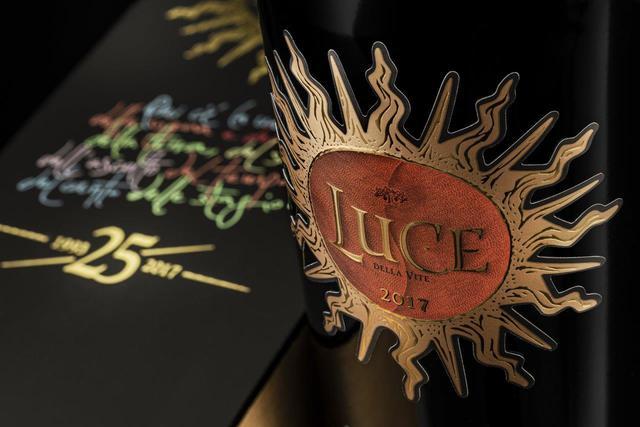 画像1: 「テヌータ・ルーチェ」新ヴィンテージ『ルーチェ 2017年』25周年記念パッケージボトルで発売