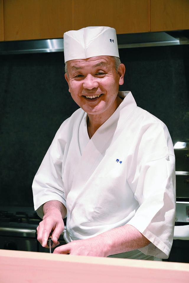 画像: 分とく山総料理長の野﨑洋光さんは1953年、福島県に生まれた。日本料理の伝統や習慣にとらわれず、自分がおいしいと思うものを、その時代にあう方法で作り続けている。テレビ、雑誌などメディアでも活躍中