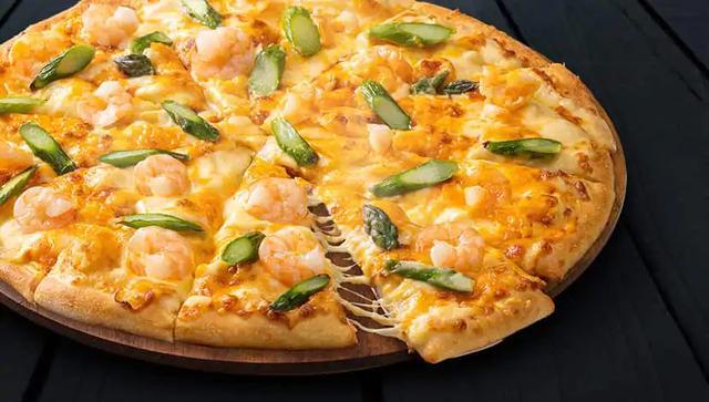 画像: 『フランス産ミモレットチーズ&シュリンプ』 トッピングは、ミモレットチーズ、エビ、アスパラ M2800円/R3399円/L3900円 ※価格はすべて税別