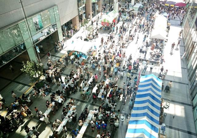 画像: ▲JR浜松駅前のパブリックスペース「ソラモ」で開催されたイベント(画像は2018年の様子)