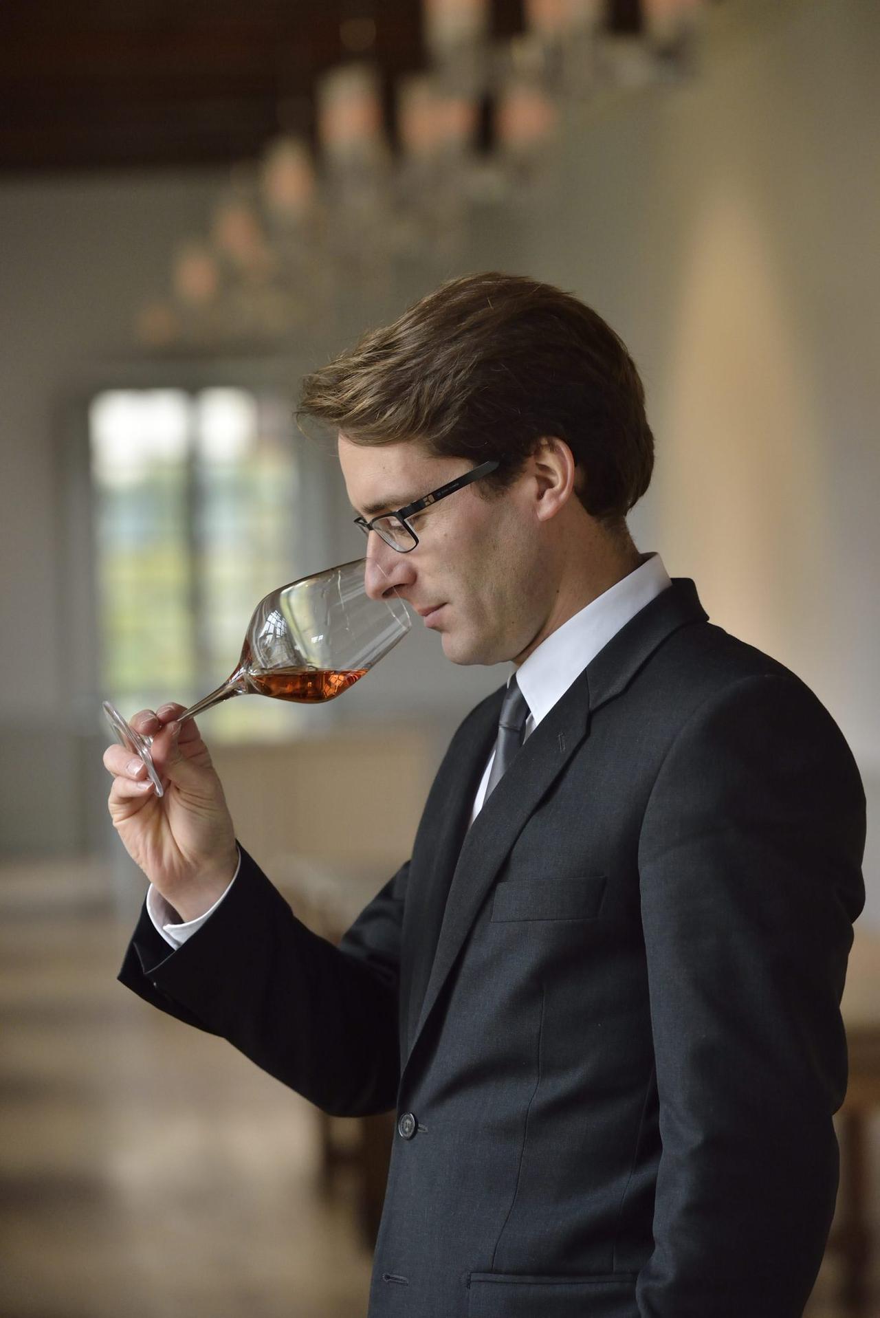 画像: 醸造最高責任者のヴァンサン・シャプロン氏