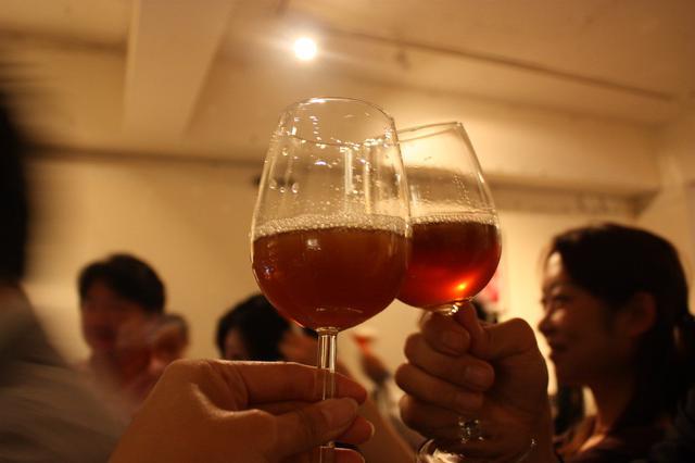 画像4: 通常の約2.5倍~7倍のホップを使用。アルコール度数10%の長期熟成ビール