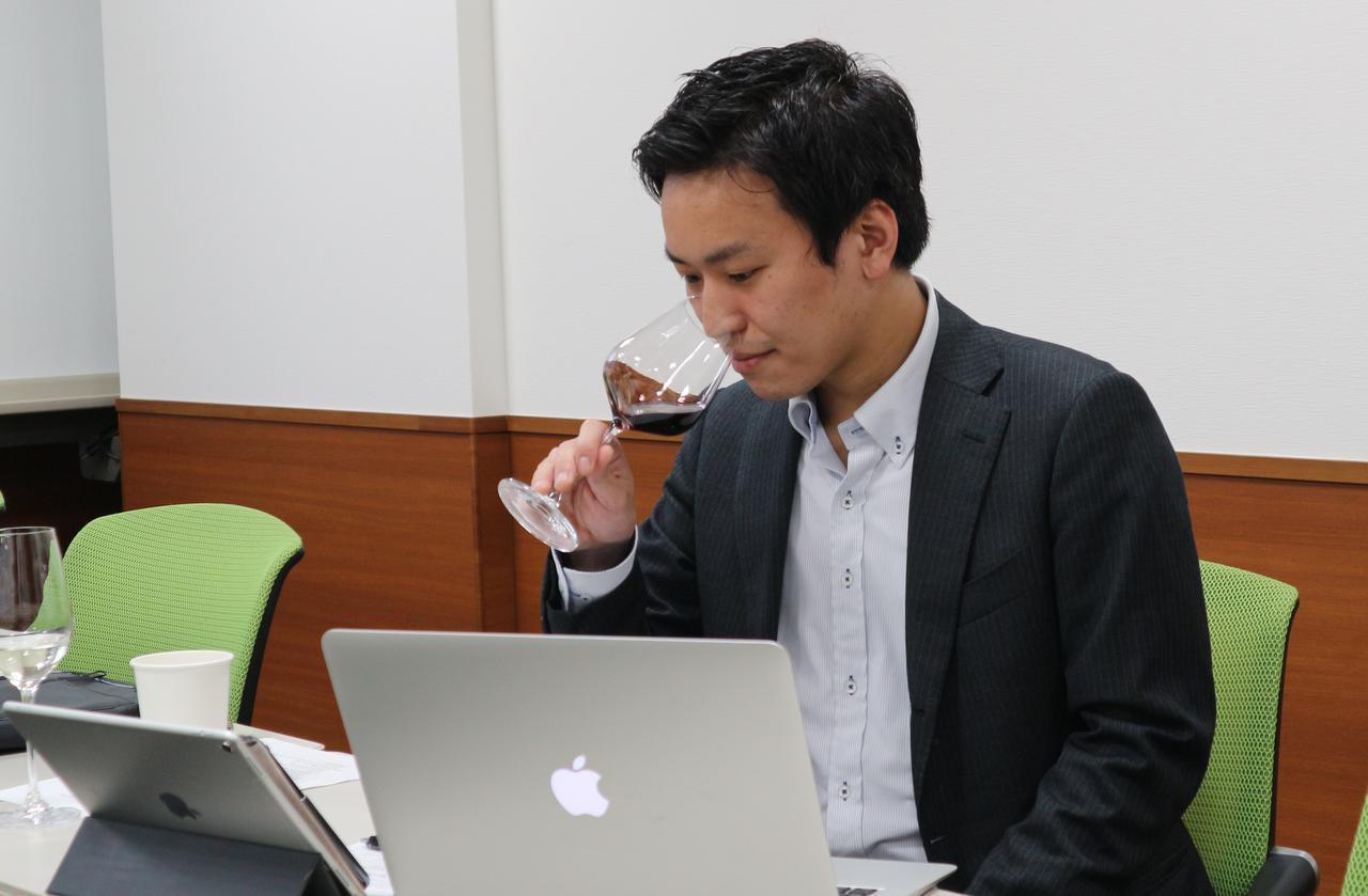 画像: 岩田渉氏 「THE THOUSAND KYOTO」シェフソムリエ。第4回アジア・オセアニア最優秀ソムリエコンクール優勝