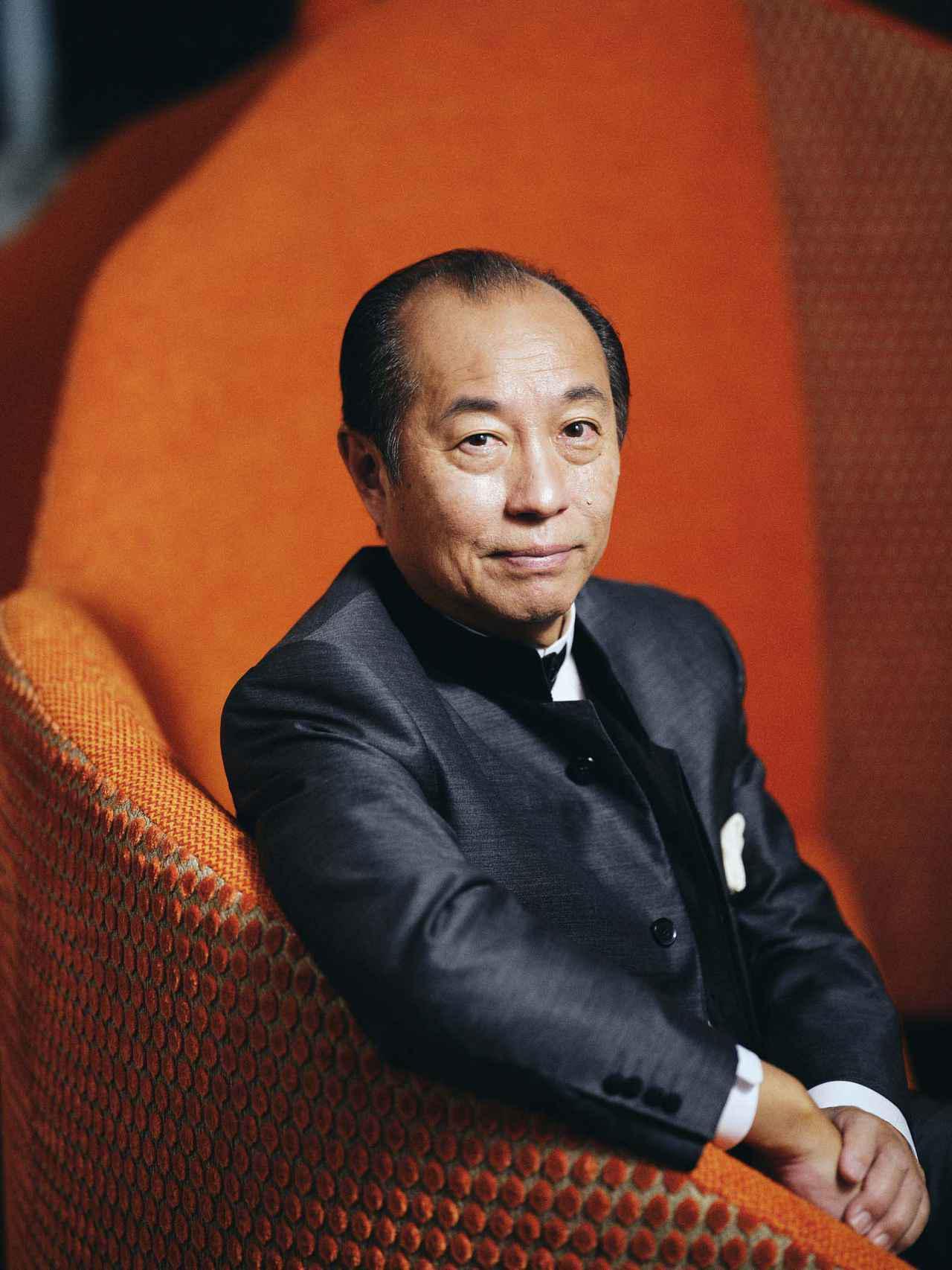 画像: 田崎真也氏 Shinya TASAKI 1958年、東京都生まれ。95年「第8回世界最優秀ソムリエコンクール」で日本人として初めて優勝。99年、フランス農事功労章シュヴァリエ受章。2011年、黄綬褒章受章。17年まで国際ソムリエ協会会長を務めて、 現在、一般社団法人日本ソムリエ協会会長を務める