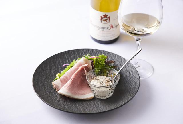 画像: 白ワインに合わせたい『肉の旨味引き出す さっぱりチーズディップ』