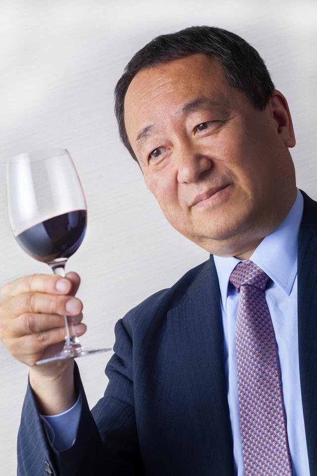 画像: 宮嶋 勲 Isao MIYAJIMA ジャーナリスト。日本とイタリアでワインと食について執筆活動を行っている。『イタリア ワイン ランキング』監修と翻訳、『イタリアワイン』監修(ともに「ワイン王国」)、「グランディ・クリュ・ディタリア最優秀外国人ジャーナリスト賞」受賞