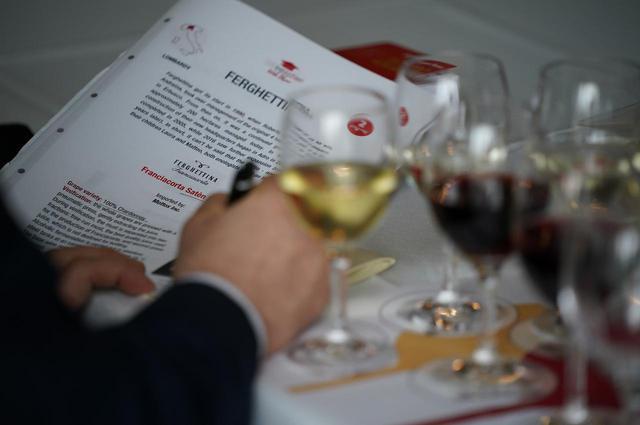 画像: 生産者「ドナート・ダンジェロ・ディ・フィロメナ・ルッピ」(バジリカータ州) ワイン『アリアニコ・デル・ヴルトゥレ・ドナート・ダンジェロ 2017年』