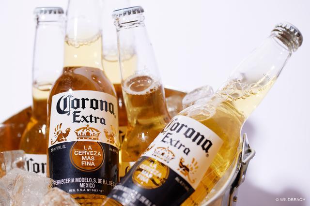 画像: ドリンクはコロナやバドワイザーをはじめ55種類を用意している ※現在、新型コロナウイルス感染症対策で酒類の提供は行っていない