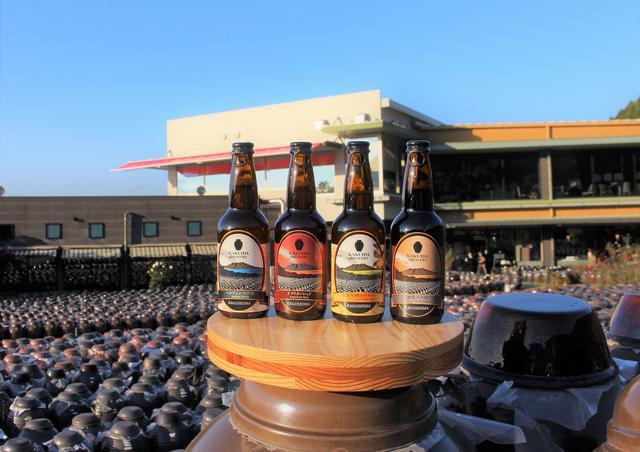画像: カクイダブルワリーの定番4種。右から、ベルジャンホワイト、アメリカンレッド、乳酸発酵ゆずサワー、熟成スタウト
