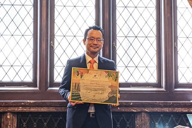 画像: ボバル大使に認定された「ヒノモリ」シェフソムリエの菊池貴之氏