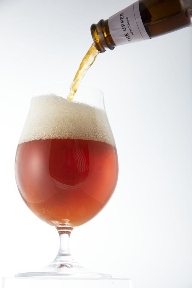 画像: コラボで生まれたビールは、ほのかに薫香が立つスモークIPA
