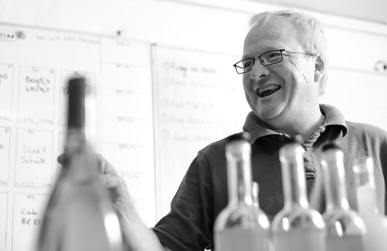 画像: キャップ・クラシック生産者協会長で「グハム・ベック・ワインズ」醸造長のピーター・フェレイラ氏