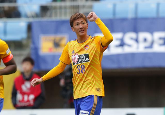 画像: 今シーズンは背番号を38番から20番に変更して臨む長沢(写真◎J.LEAGUE)