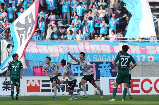 画像: 2015年10月24日の松本戦。谷口、水沼宏太の得点で逆転勝ちした(写真◎J.LEAGUE)