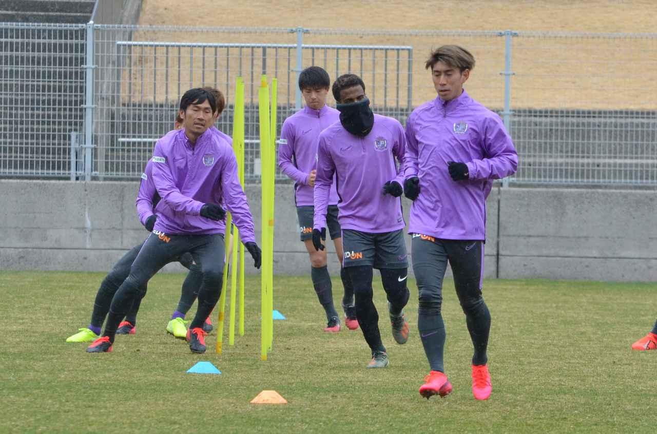 Images : 1番目の画像 - ルヴァンカップ初戦に向けて広島が練習を再開(写真◎石倉利英) - サッカーマガジンWEB