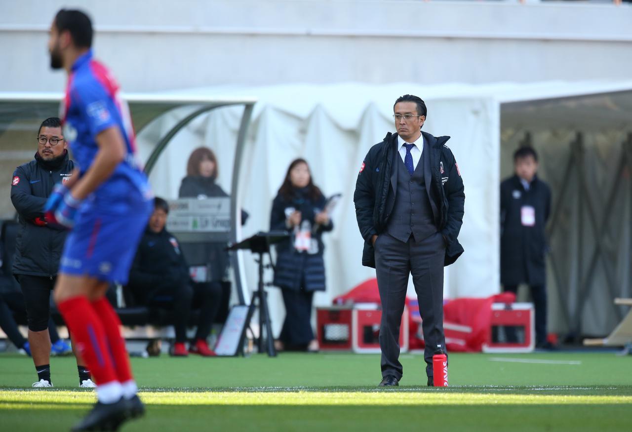 Images : 1番目の画像 - 昨季途中から指揮を執る大槻監督は今季、改革元年として臨むという - サッカーマガジンWEB