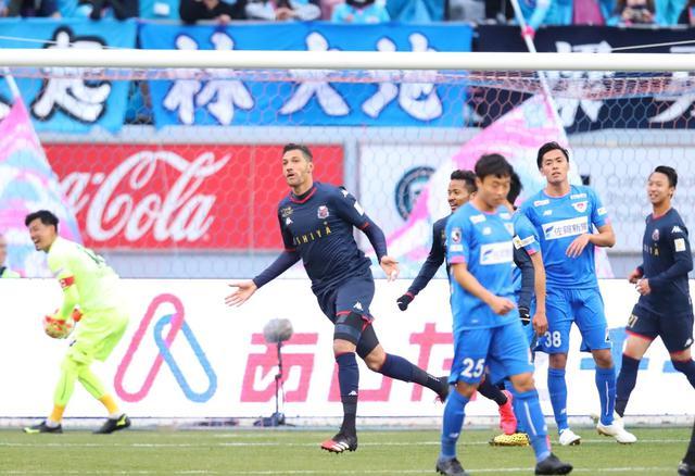 画像: 快勝劇の口火を切ったのはジェイ。札幌が鳥栖を下した(写真◎J.LEAGUE)