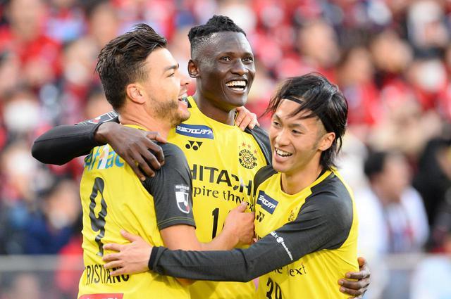 画像: 【柏】江坂とオルンガの2トップ躍動。札幌から4得点奪い開幕戦勝利 - サッカーマガジンWEB