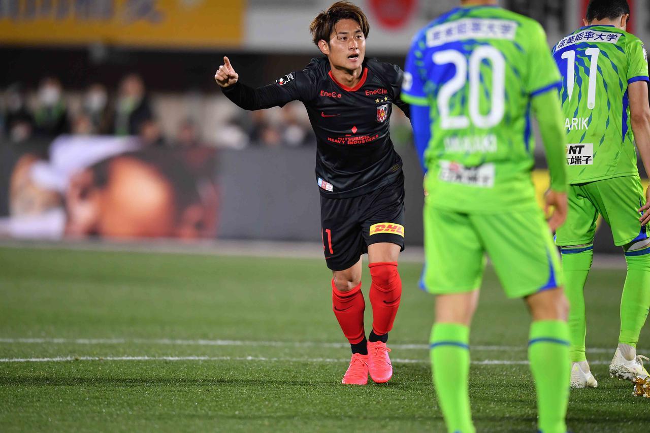 画像: 関根が決勝点を挙げて浦和が湘南に逆転勝ち(写真◎J.LEAGUE)