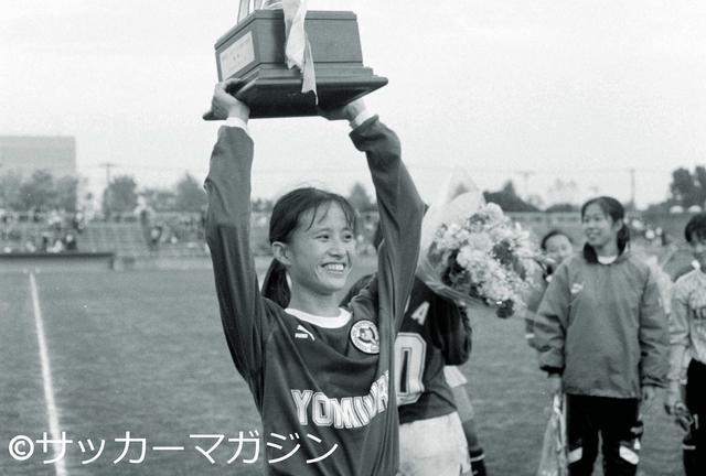 画像: ベレーザが日本女子リーグ3連覇を達成(写真◎サッカーマガジン)