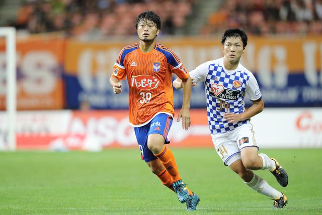 画像: 期限付き移籍加入した新潟ではリーグ戦5試合に出場。17年シーズン終了後に大宮への復帰が決まった(写真◎J.LEAGUE)