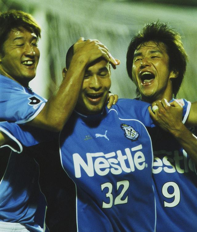 画像: 充実の戦力で3回目のJリーグ制覇を成し遂げた磐田。その中でも高原の得点力は際立っていた(写真◎J.LEAGUE)