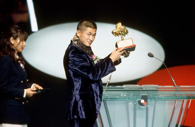 画像: 1996年、23ゴールでカズは得点王に輝いた(写真◎サッカーマガジン)