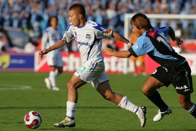 画像: Jリーグカップ決勝で唯一の得点を挙げたガンバ大阪の安田理大が大会MVPを受賞(写真◎J.LEAGUE)