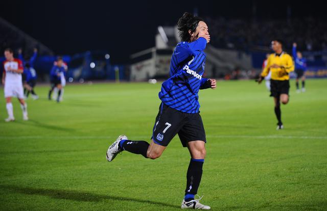 画像: 万博で戦ったACL決勝第1戦のアデレード・U戦。遠藤保仁のゴールなど3得点でG大阪は大きなアドバンテージを得た(写真◎J.LEAGUE)