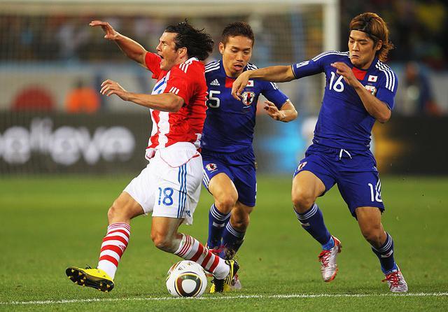 画像: 決勝トーナメントのパラグアイ戦は0-0で延長戦に突入。決着つかずPK戦へ(写真◎Getty Images)