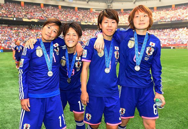 画像: なでしこジャパンは決勝でアメリカに敗れたものの、11年W杯、12年五輪、そして今大会と、メジャー大会で3回連続決勝進出は素晴らしい結果だった。左から大野、有吉、岩清水、阪口(写真◎Getty Images)