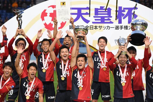 画像: 天皇杯で優勝し、鹿島は2016年シーズン2冠を達成した(写真◎Getty Images)