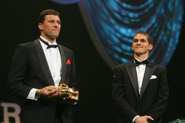 画像: 得点王を分け合ったワシントンとは、01年コンフェデレーションズカップのブラジル代表で2トップを組んだ縁があった(写真◎J.LEAGUE)