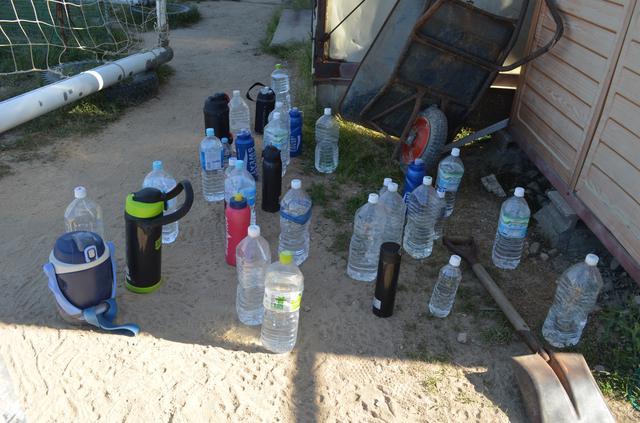 画像: 飲む水は個別のボトルを使用するなど、感染防止に最大限、配慮して練習している(写真◎石倉利英)
